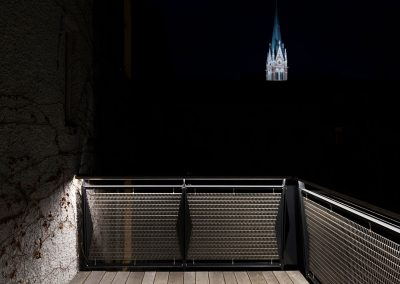 Altbau Balkon © Martin Slobodenka